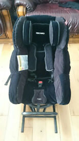 Rear facing group 1 isofix car seat. £25