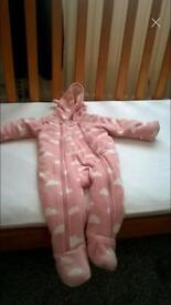Snowsuit/All in one