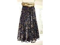 Stunning Vintage Black & Gold Circle Swing Skirt