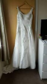 Unused Unaltered ALFRED ANGELO Wedding Dress
