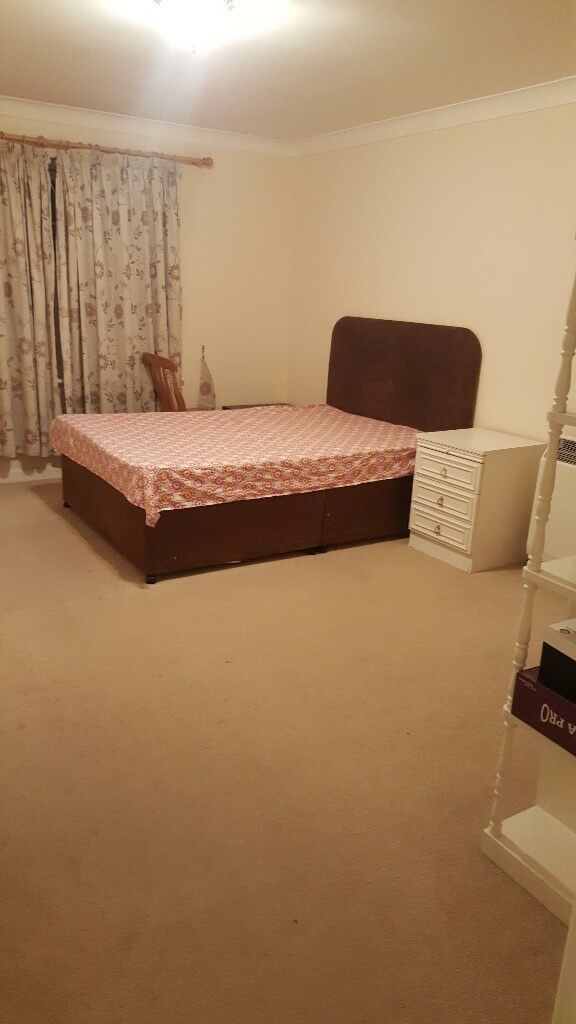 A spacious double en-suite is available for rent