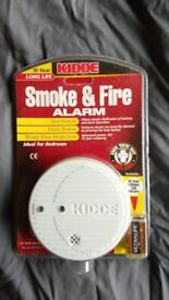 New - Household smoke and fire detector alarm