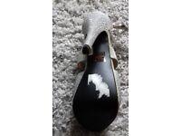 Beautiful shoes size 5