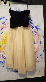 Bow black and cream pleated dress size 8
