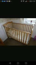 Baby cot wood solid mamas&papas