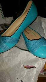 Bnib teal flat shoes size 4