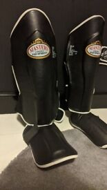 Shin Guards with foot guards Size M Barely used