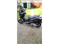 Honda s-wing 125cc black only 9000 miles