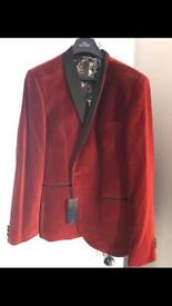 Brand new men's blazer from Next. Still has tags. Size 46L