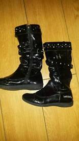 Lelli Kelly black patent leather boots Size 34 (2)
