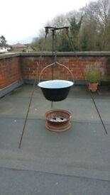 Outdoor Enamel Cooking Pot (Bogracs) with Tripod