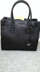 MICHAEL KORS GENUINE BLACK LEATHER LARGE DILLON TOTE BAG - NEW WITH TAG - BARGAIN -