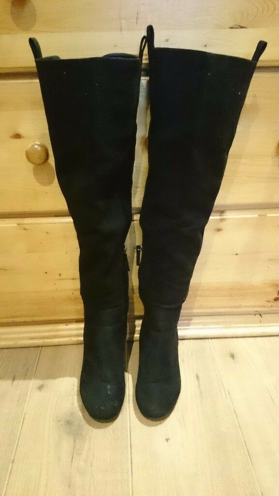 JUST FAB BLACK THIGH HIGH BOOTS SIZE 6