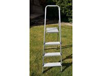 4 step stepladder with handrail