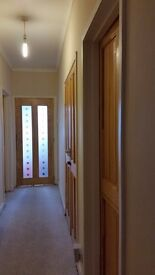 Large bedroom (4mx5m) available in broomhouse sighthill area close to Napier Heriot Watt University