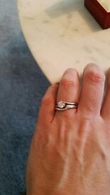 Beautiful engagement and wedding rings for sale - extremely good quality diamond