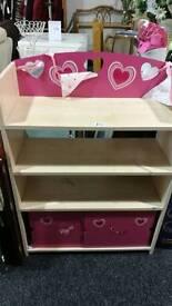 Children's shelf unit