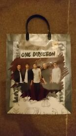 120 x One Direction Bags - Job Lot