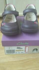 Clarks LilfolkPip Pre Girls Shoe size 8G