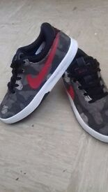 Lovely rare Nike Shoes Kids 12.5