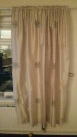 Curtains gold