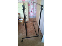 DOUBLE ADJUSTABLE CLOTHES RACK ON WHEELS