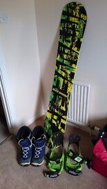 Skate Banana Snowboard 156 (size 12 boots and bindings incl. if suitable)