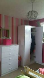 High gloss wardrobe and chest of drawers set. Bought in Sept 16.