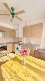 All bills included: 1 - 2 bedroom flat with parking. Croydon, New Addington