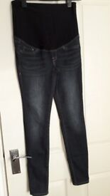 Maternity skinny jeans from H&M- very good condition
