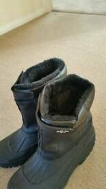 Mens wet weather boots.