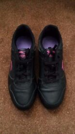Ladies Black Trainer Shoes - Size 7