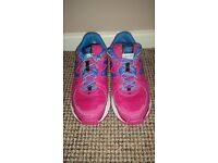Ladies New Balance Trainers size4