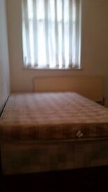 BOLTON CENTRE 5 MINUTES FROM MARKET AND 10 MINUTES WALK FROM TOWN HALL FURNISHED ROOM