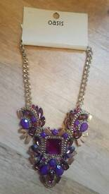 💕BNWT Oasis jewelled statement necklace💕