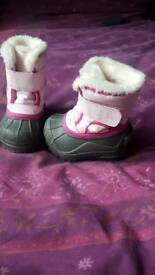 Toddlers Sorel Snowboots size 3.5