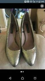 Ladies size 5 gold sparkly heels