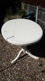Shabby chic extendable table