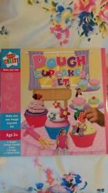 Childrens Dough Cupcake Making Kit. SEALED