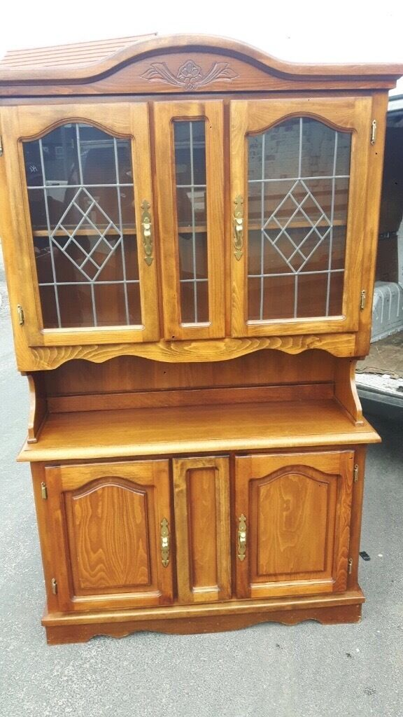 NICE DISPLAY CABINET IN EXCELLENT CONDITION