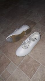 Girls size 12 white tap shoes