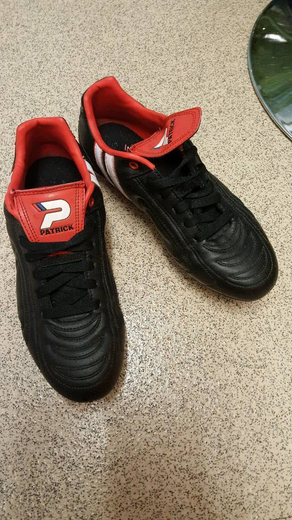 Nearly new football boots size 6.5