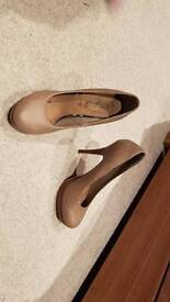 Ladies new look, tan high shoes size 5