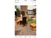 Oak Dinning Room Table & Chairs
