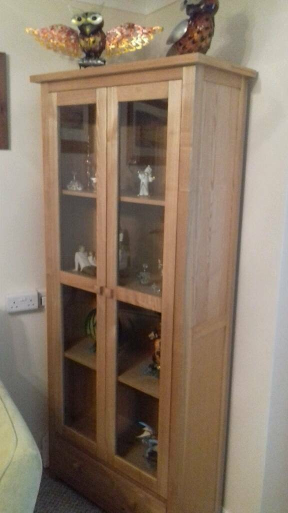 SOLID OAK DISPLAY UNIT (REDUCED space needed)