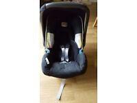 Britax car seat (baby safe) - excellent condition