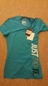 Nike tshirt brand new small size