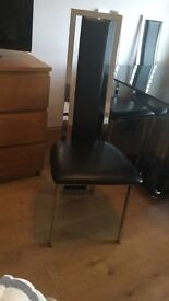 Beautiful dining table and chairs £100