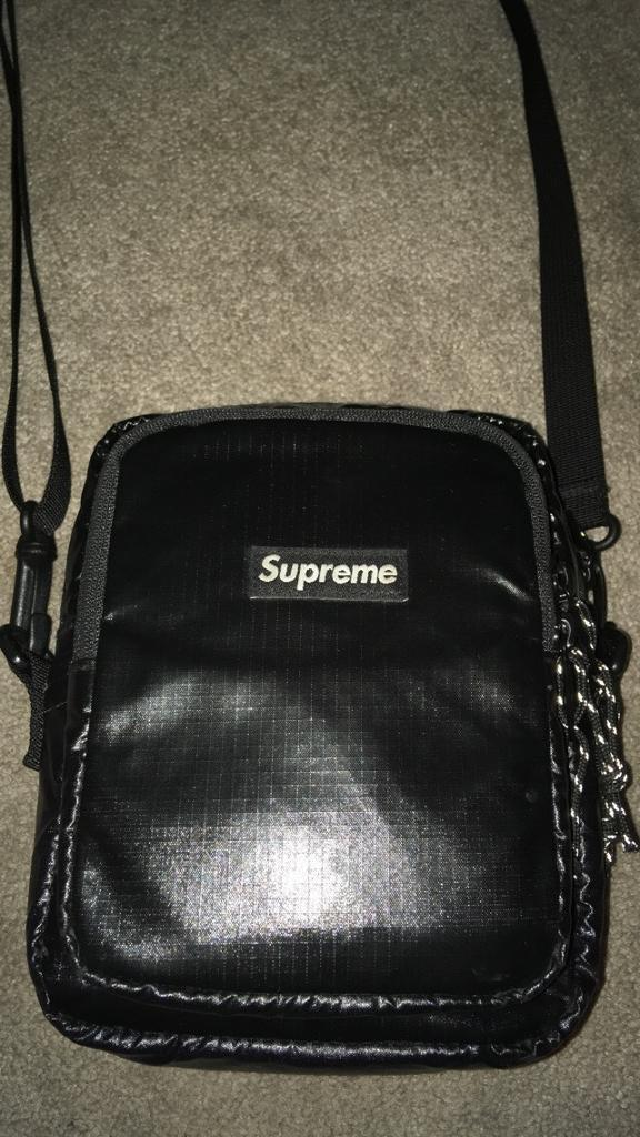 Supreme man bag  1f1d93ed47346