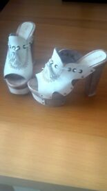 Size 5 ladies River Island heels. Off white colour. Excellent condition as hardly worn.